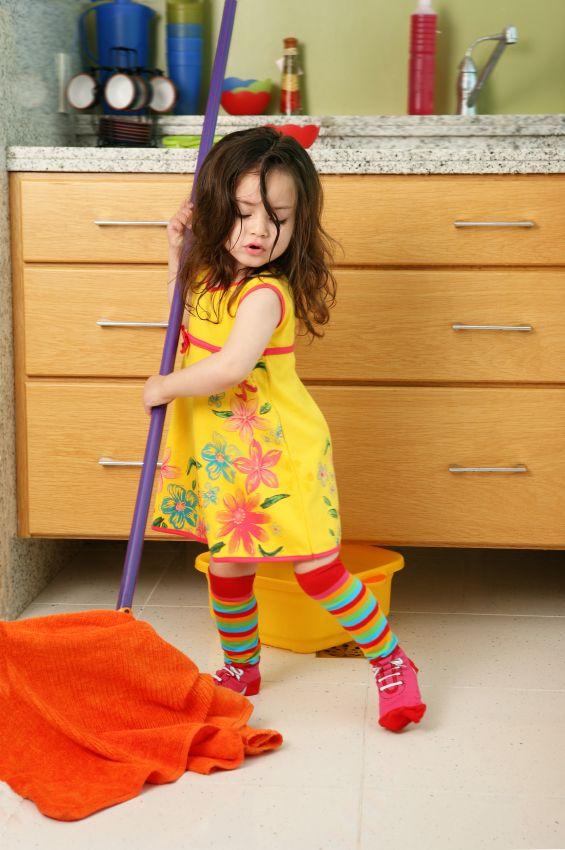 Как да включим децата в почистването